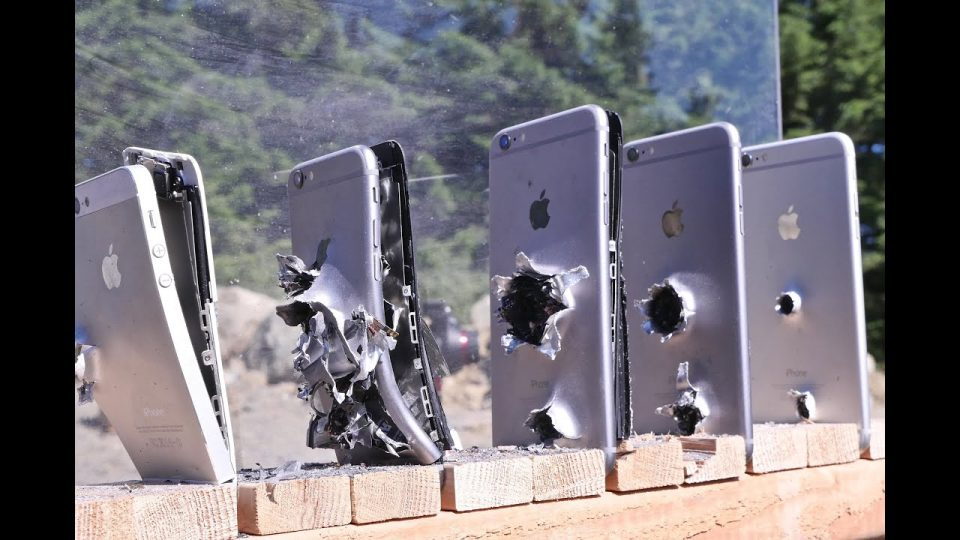 iPhones VS AK-74